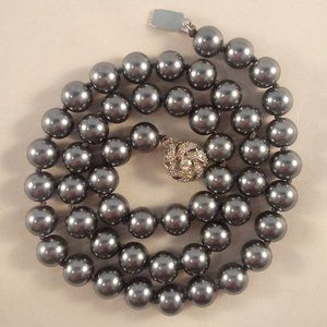 18K Wh Gold AAA Gray South Sea Pearl Necklace GPEP